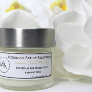 clean elegant branding Luxurious bath products