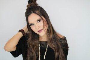 Tara Teng- Miss World Canada Website and Blog